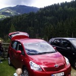 Roter Metallic Toyota Verso Young